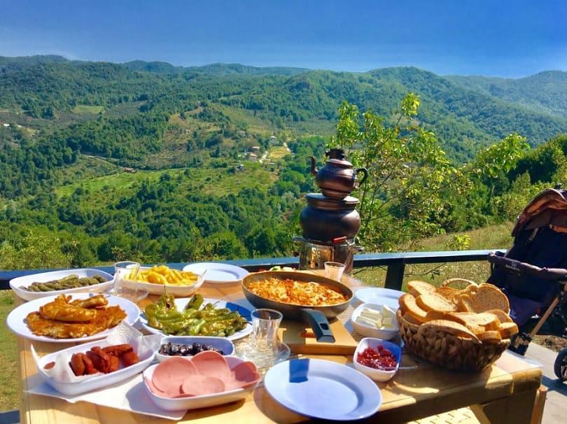 sakarya dağ evi piramit kahvaltı